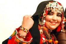 عائشة أمرزاك ... صوت إذاعي متميز وموهبة أمازيغية واعدة