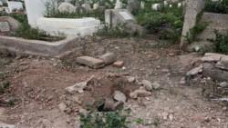 اعتقال المتهم بإخفاء جثة رضيع بعد استخراجها من قبره صبيحة
