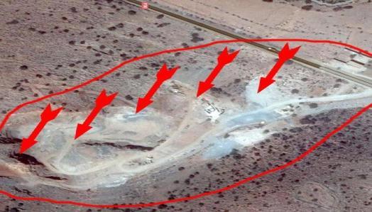 صورة من الأقمار الإصطناعية التي تضهر المساحة التي يستغلها المقلع