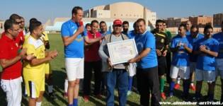 قدماء لاعبي أمل تيزنيت يكرمون محمد الحفظي في أجواء احتفالية بملعب المسيرة
