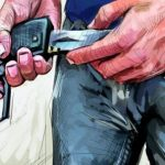 دورية أمنية بتيزنيت تُشهر المسدس في وجه مُجرم هائج هاجم عناصر الأمن بسيف
