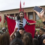 سيدي إفنـي ... التلاميذ يخرجون في مسيرة احتجاجية تنديداً بتعنيف
