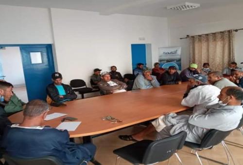 سيدي افني: نقابة أرباب وبحارة قوارب الصيد في اجتماع غاضب ضد وكالة الضمان الاجتماعي